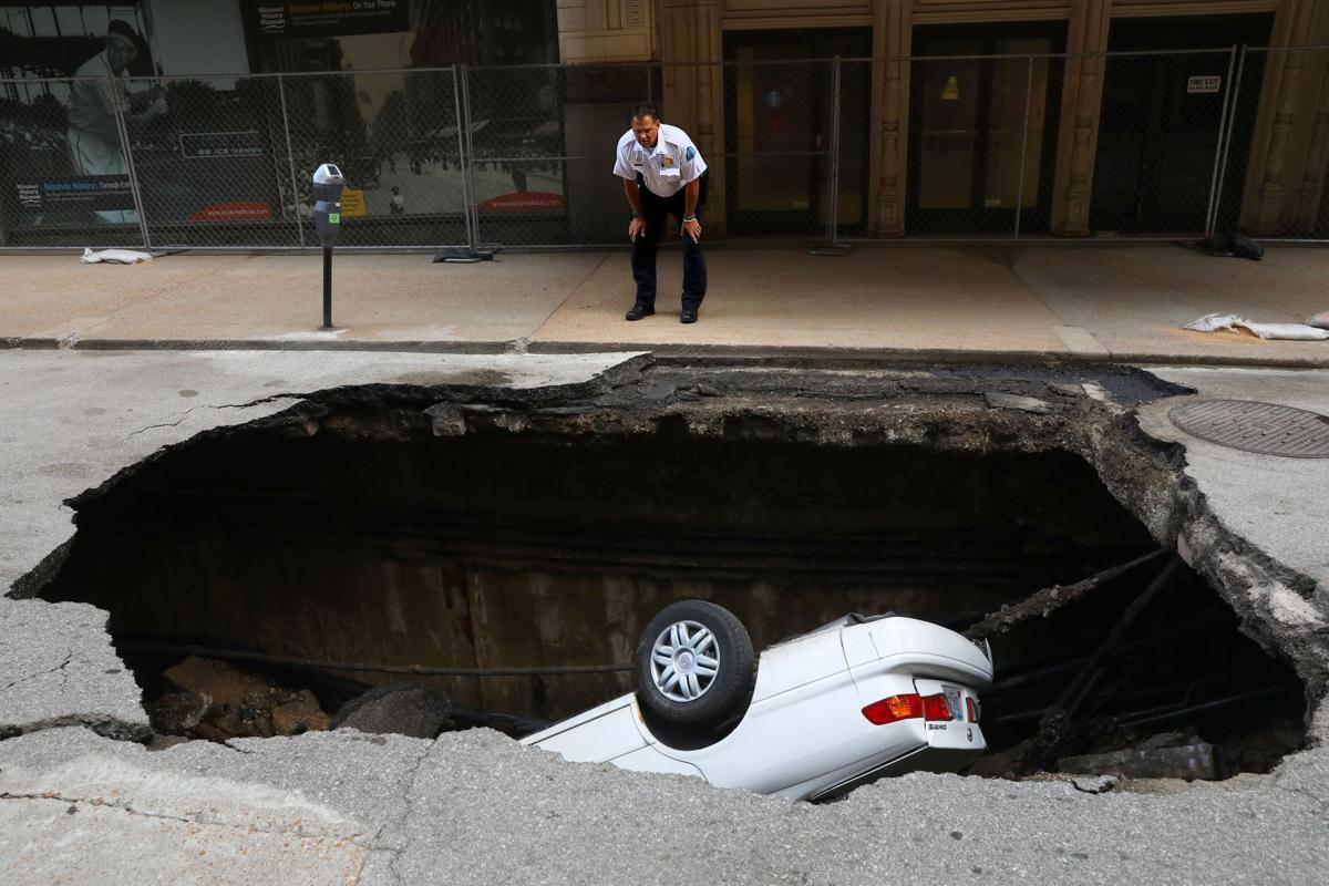 Sinkhole opens up on 6th street downtown