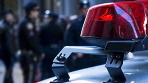 Kepala polisi mengatakan ia diskors selama sengketa dengan walikota
