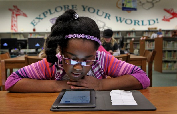 Long Elementary School second graders learn to use Nook