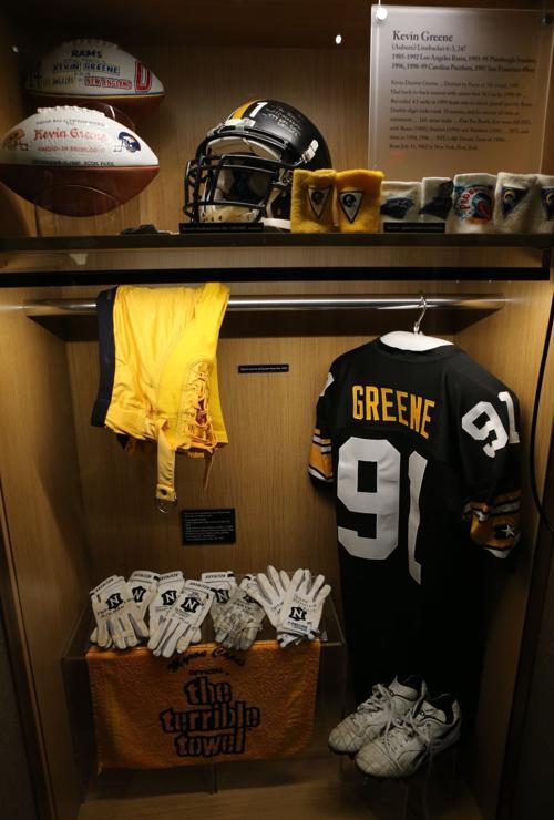 d391dbfc06c Pro Football Hall of Fame Kevin Greene locker