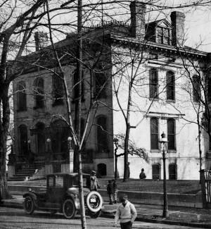 Dec. 29, 1922: ο Πρόεδρος της Lemp Ζυθοποιείο αυτοκτονεί, τρίτο στην οικογένειά του