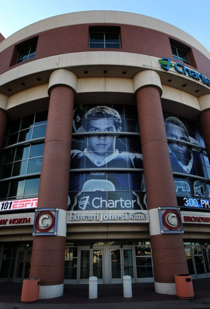 Foyer Home St Louis Reims : Edward jones keeps naming rights for st louis rams