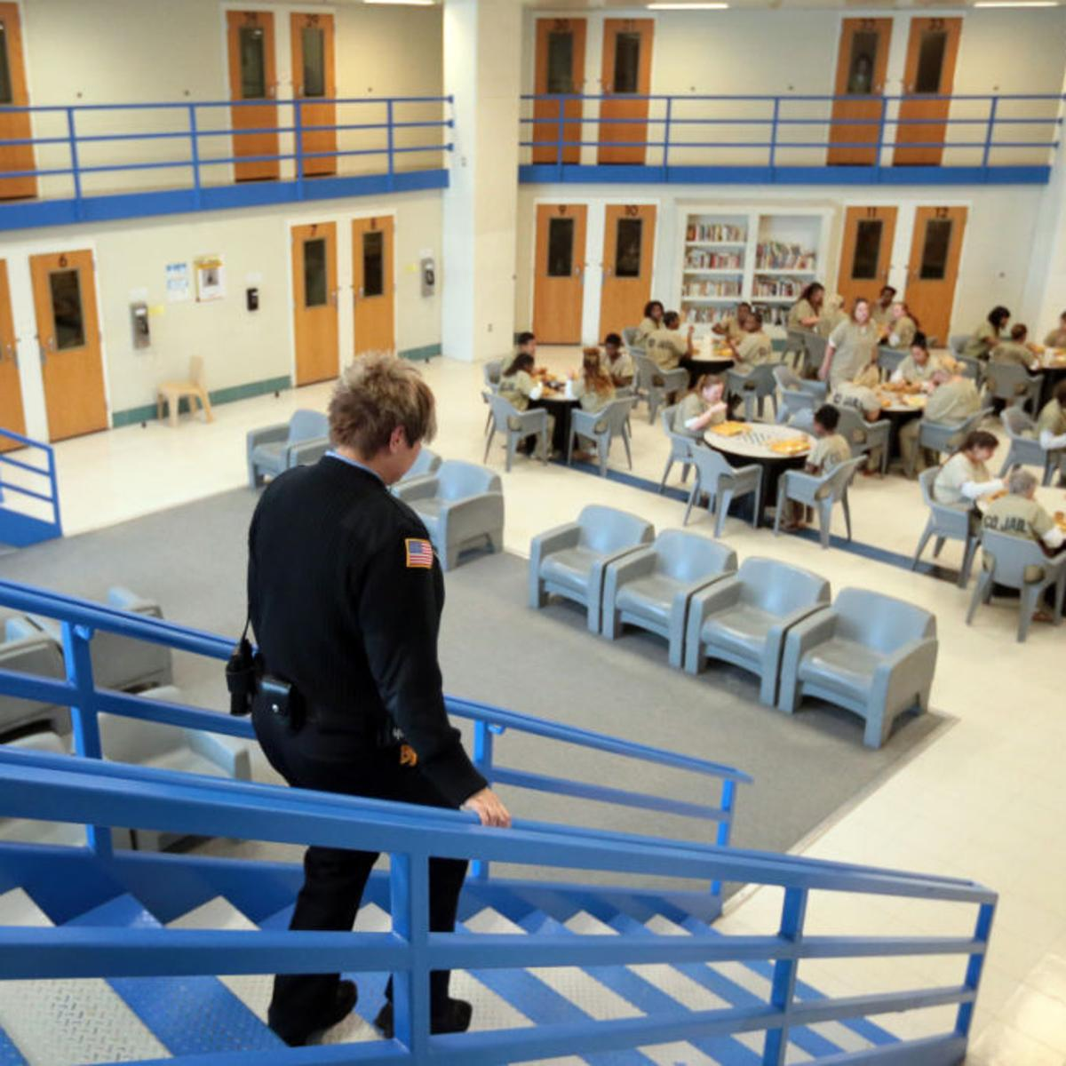 St  Louis County jail medical team casts wary eye on move to