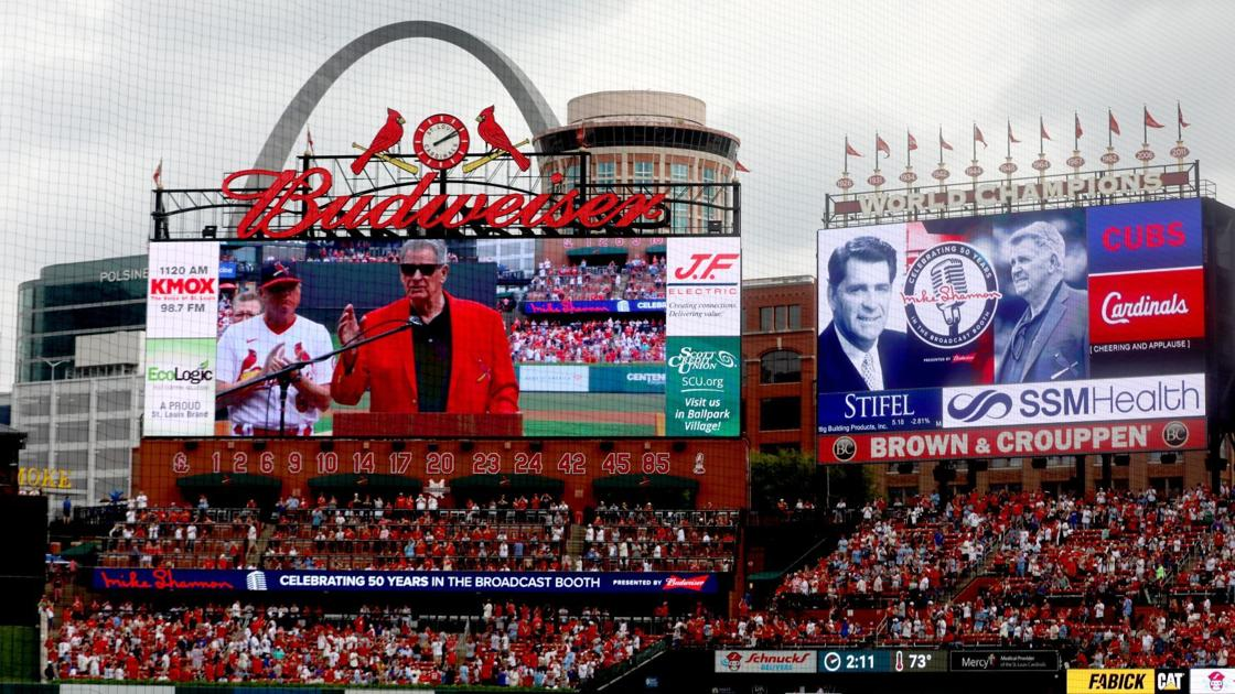 Shannon overcome with emotion when honored before Cardinals' final game