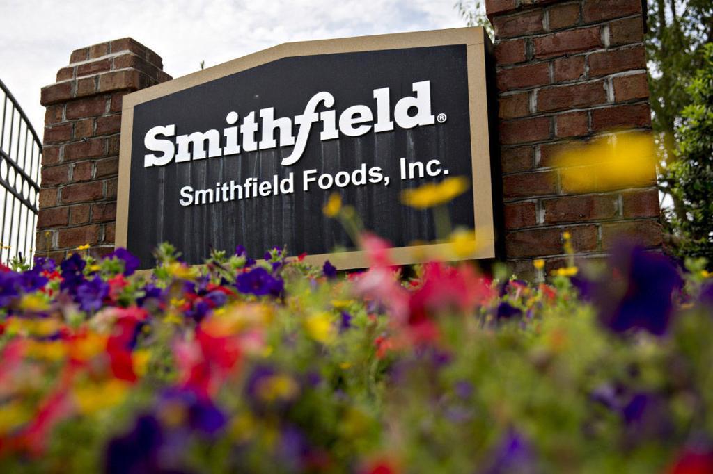 Smithfield Food's Illinois hog plant to resume operations