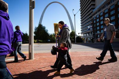 One St. Louis rallies to fight for 15