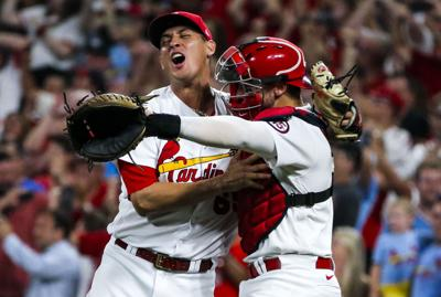 Cardinals clinch wildcard with 17th consecutive win