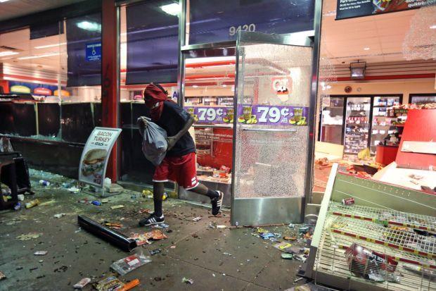 Ferguson QuikTrip looted