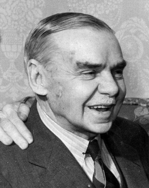Dr. Max Starkloff