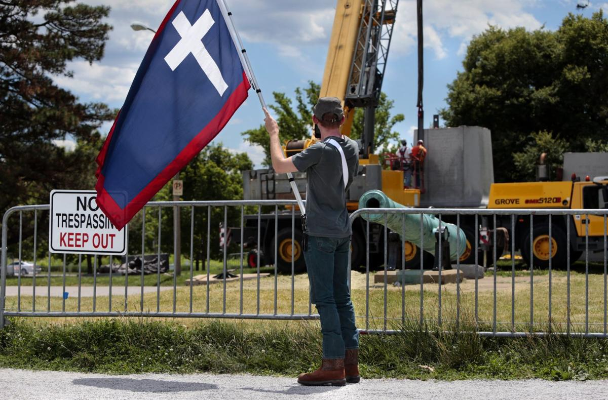 Confederate monument to move from Forest Park