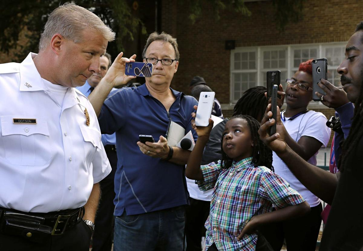St. Louis police shoot, critically wound 14 year-old boy