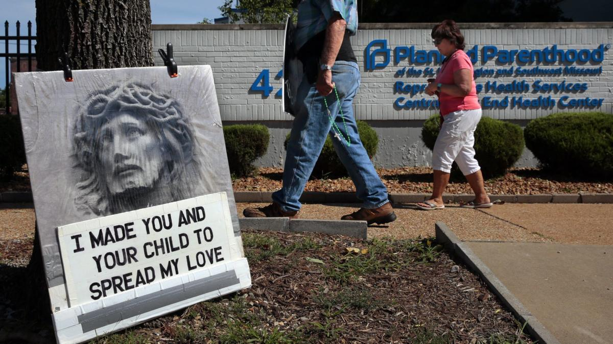 Abortion ban after 8 weeks blocked by federal judge