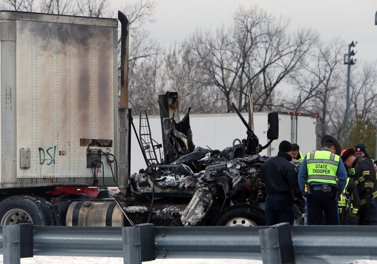 Ballwin man dies in crash on eastbound Highway 40 in Town and