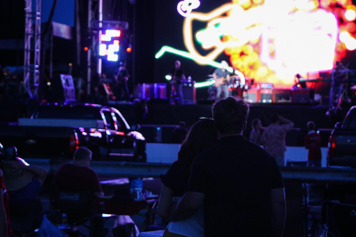 Brad Paisley at Hollywood Casino Amphitheatre parking lot