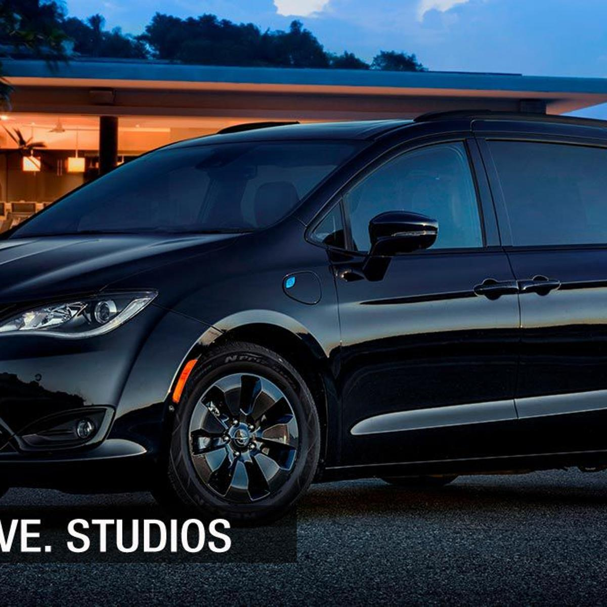 The 2019 Chrysler Pacifica Hybrid S Is Handy Thrifty