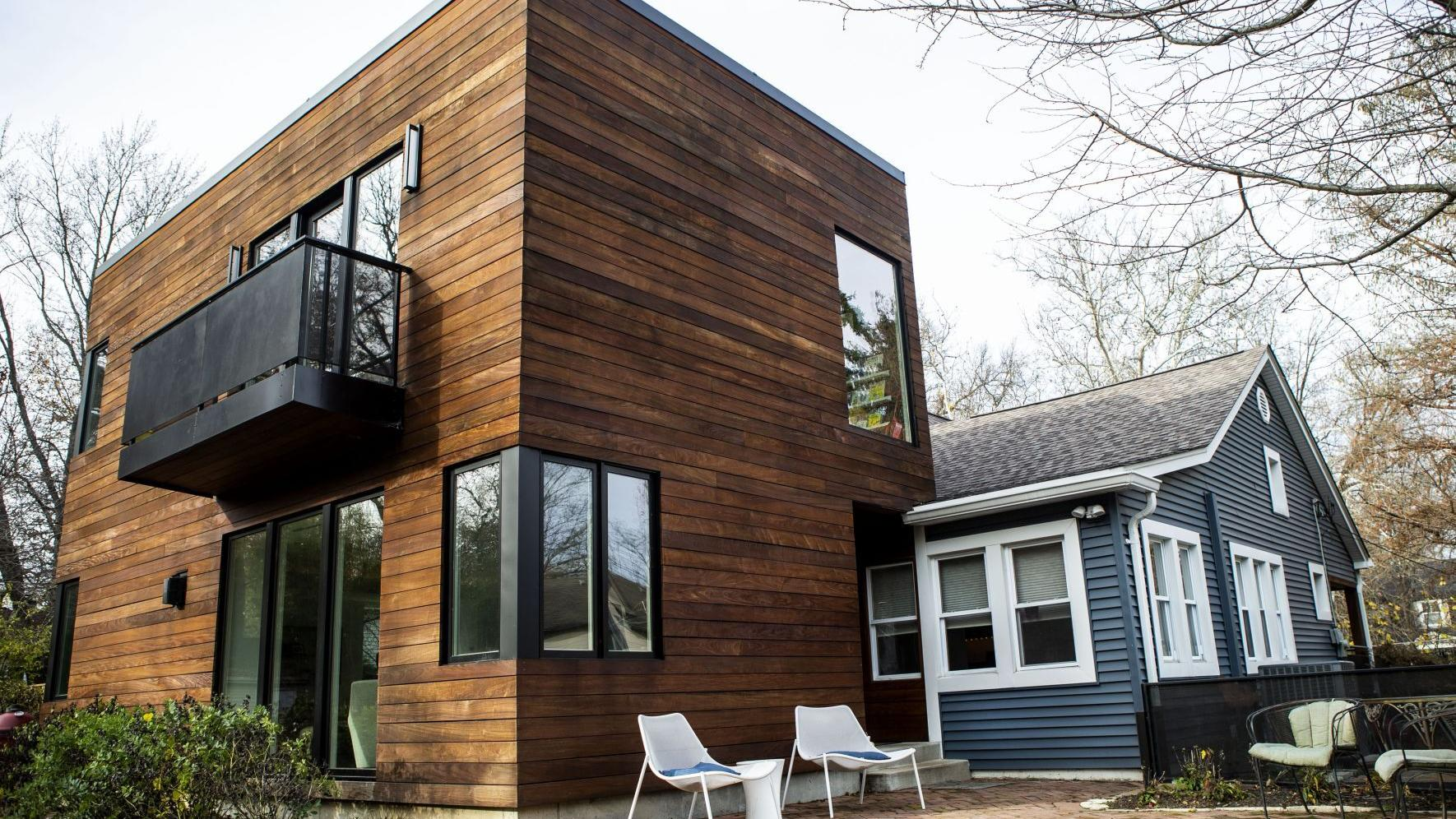 Architect designs modern addition to 1910 Webster Groves home