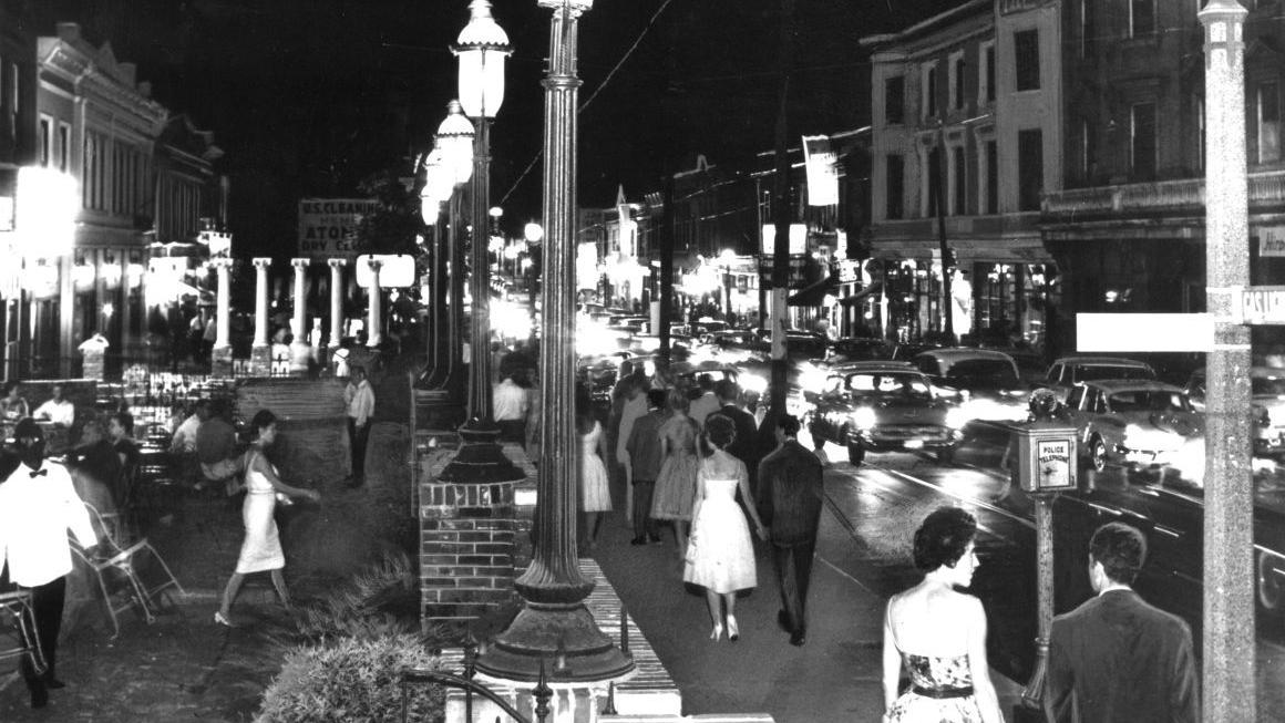 1967: A topless plan for Gaslight Square turns out to be a complete bust