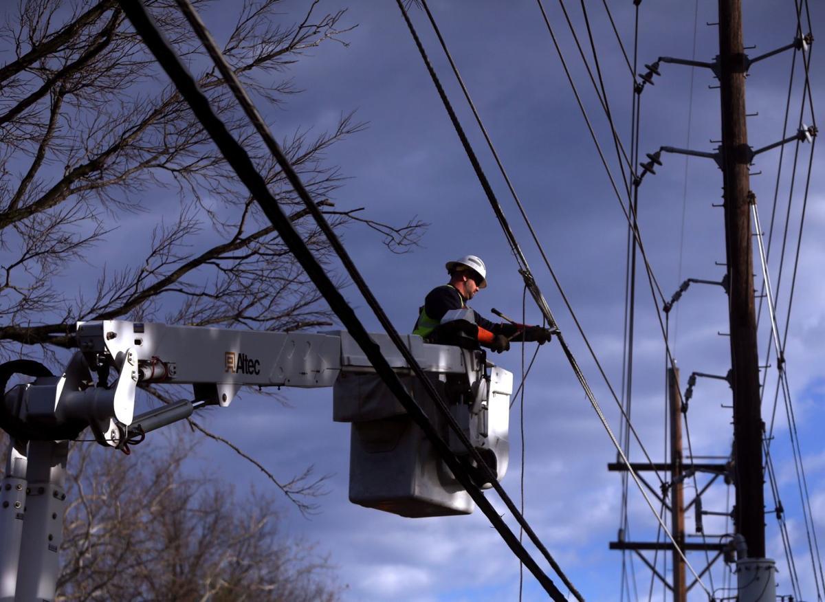 Tree knocks out power in Kirkwood