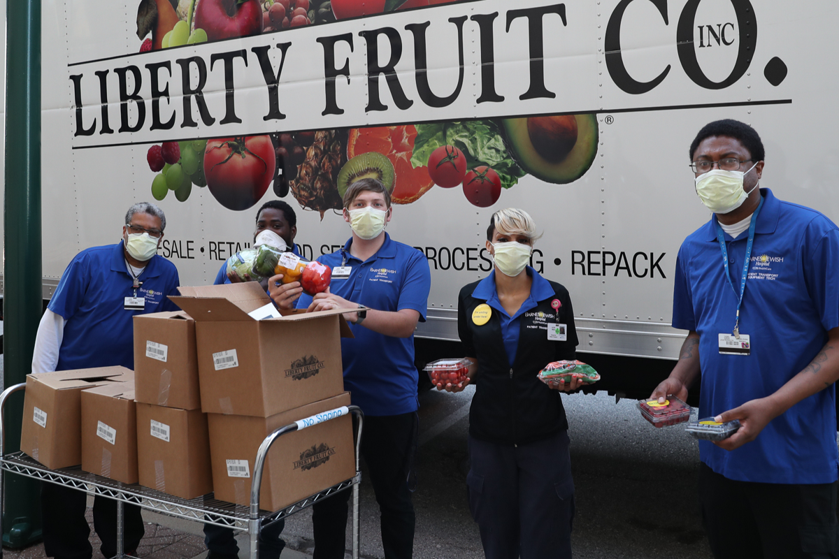 Barnes Jewish healthcare heroes receive #ProduceBoxProject through donation from Stange Law Firm,