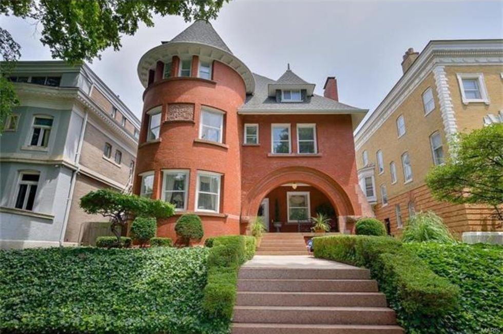 5 Bedroom Home In St Louis   $1,295,000