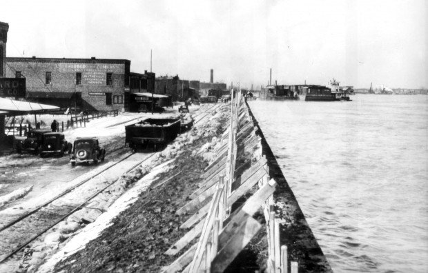 Mississippi River flooding at Cairo, 1937