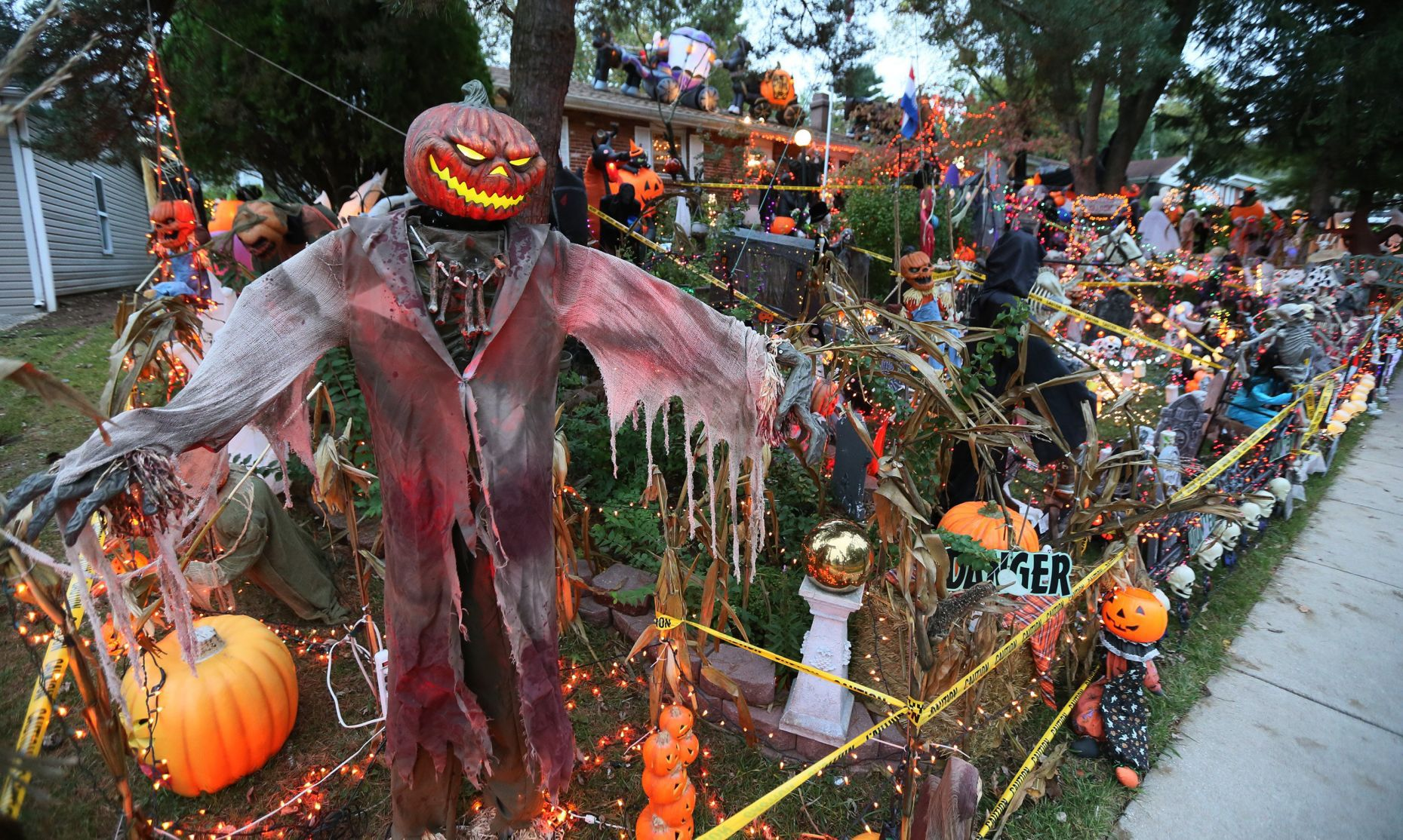 Extreme Halloween Decorations Earn St Charles Man Bigger