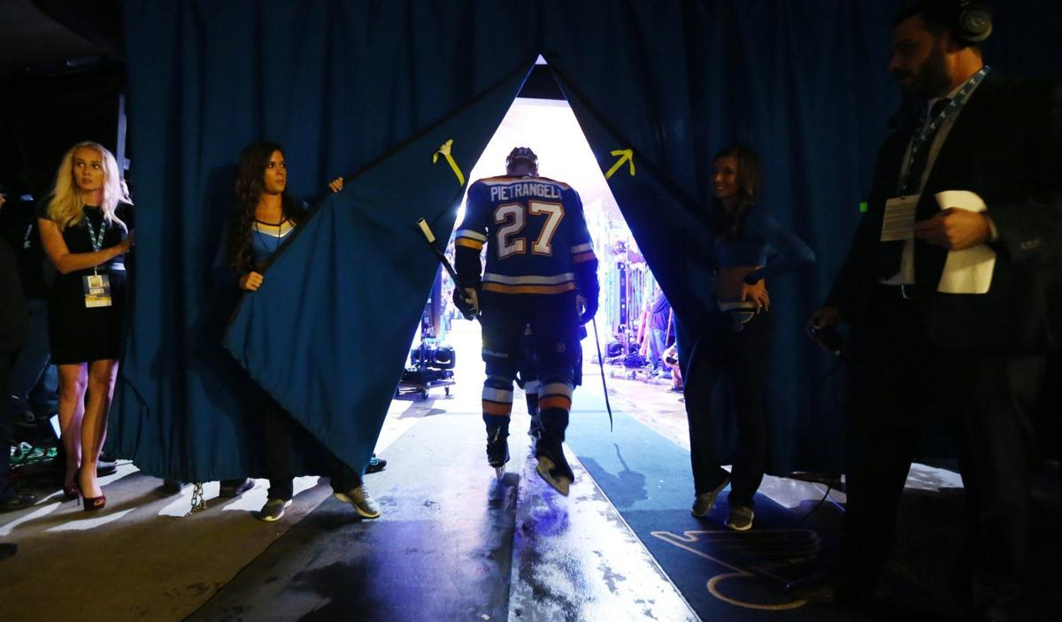 Father Figure New Parent To Triplets Pietrangelo Also Gives Blues A Guiding Hand St Louis Blues Stltoday Com