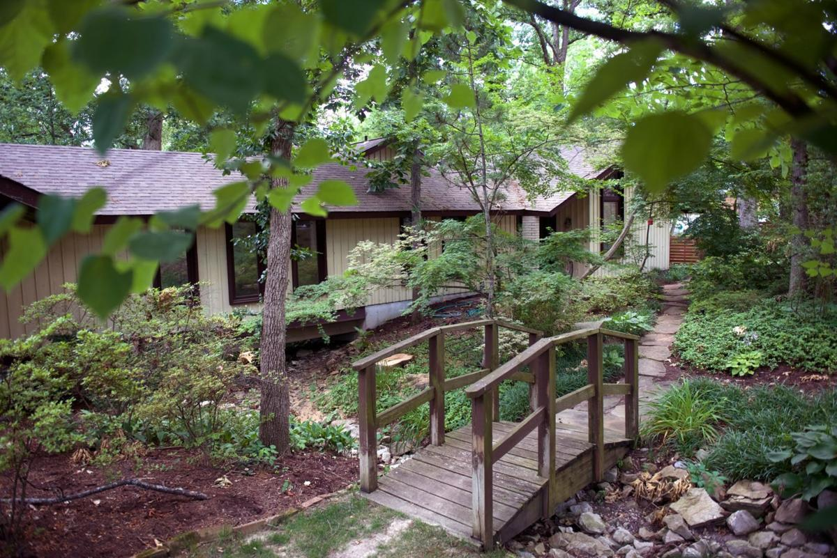 architect carries on family tradition in creve coeur midcentury