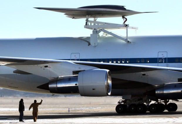 Boeing Phantom Ray tested for flight aboard NASA  jumbo jet