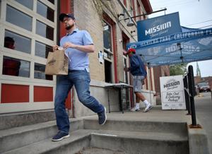 Το νέο ανώμαλη: St. Louis ιδιοκτήτες εστιατορίων αγώνα μέσα από την πανδημία και να αναρωτιούνται τι έρχεται επόμενο