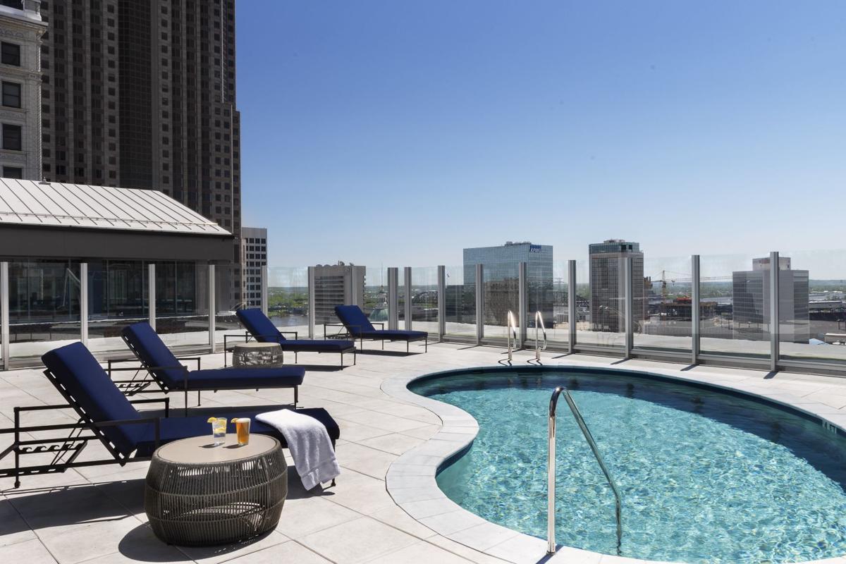 Hotel St. Louis pool