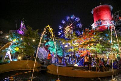 Ferris wheel on City Museum roof debuts lights