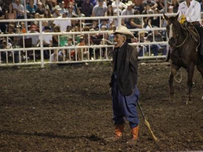 Missouri Fair clown draws criticism for Obama mask