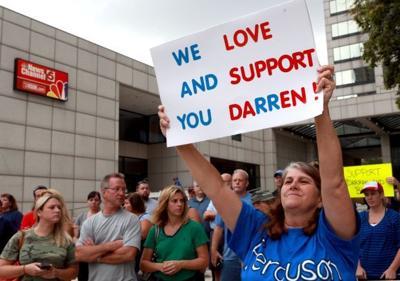 Crowd shows support for Darren Wilson