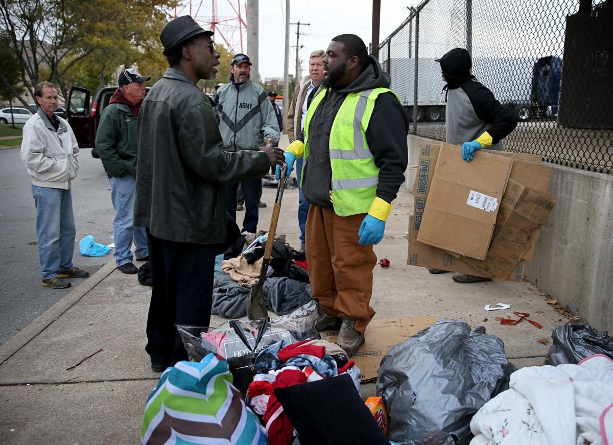 Homeless tents removed from sidewalk