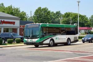 無料バスの乗り物のマディソン郡の中でcoronavirusパンデミック