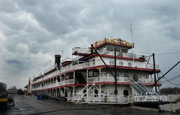 casino queen riverboat