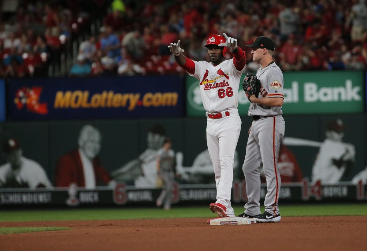 Hudson contributes 2-run single to Cards' 5-run inning
