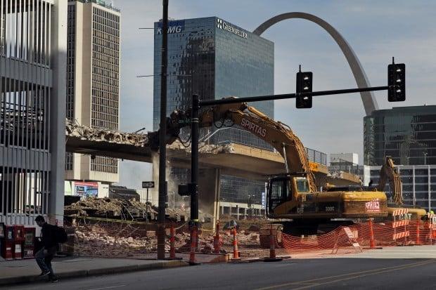 busch stadium pedestrian bridge demolition gallery. Black Bedroom Furniture Sets. Home Design Ideas