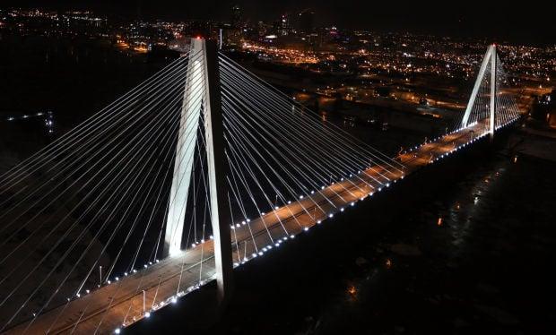 Lighting the Stan Musial Veterans Memorial Bridge