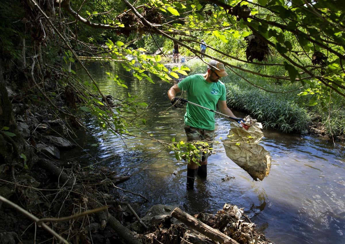 Blue2Blue cleans up River Des Peres at its source