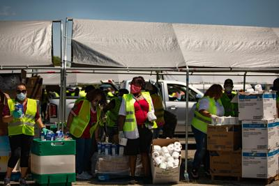 St. Louis region holds largest food distribution for thousands in need