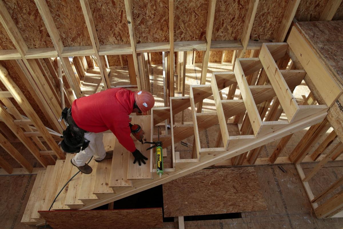 Homebuilders busy at Winding Bluffs