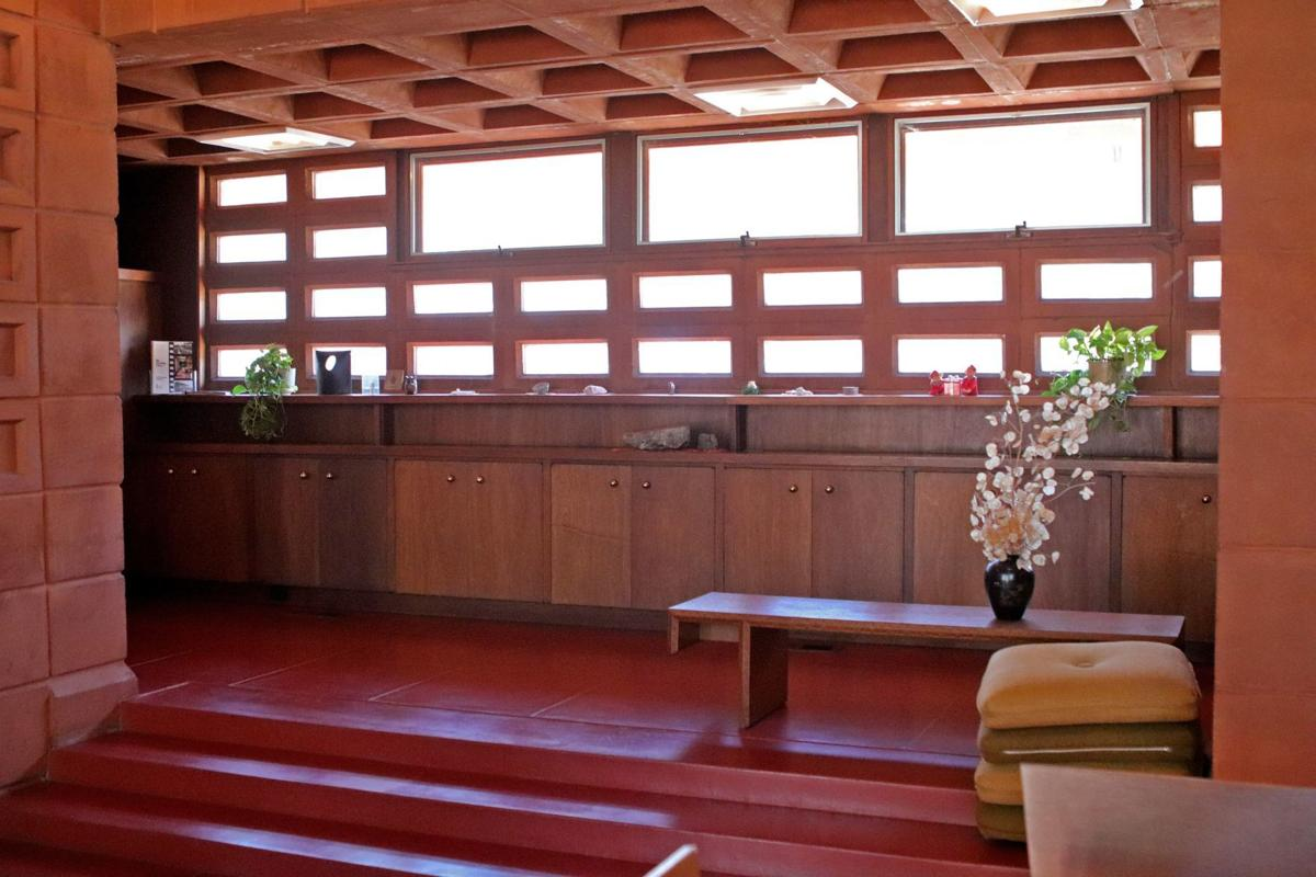 Frank Lloyd Wright home in Town & Country