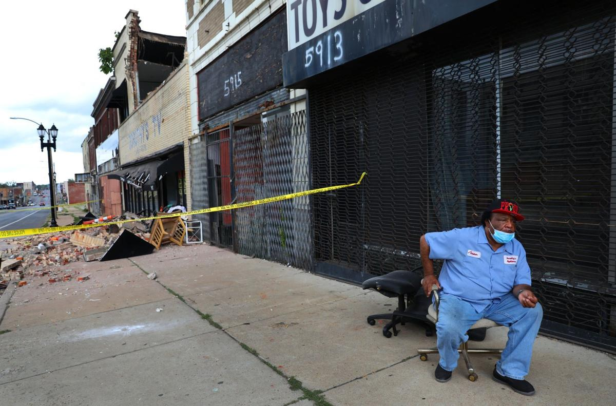 Longtime north St. Louis business collapses