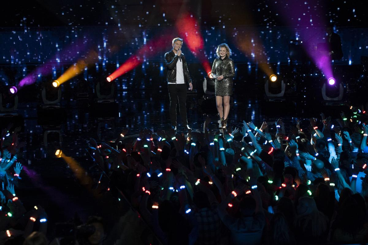 'American Idol Live!' brings bright covers, infectious fun to Fox Theatre