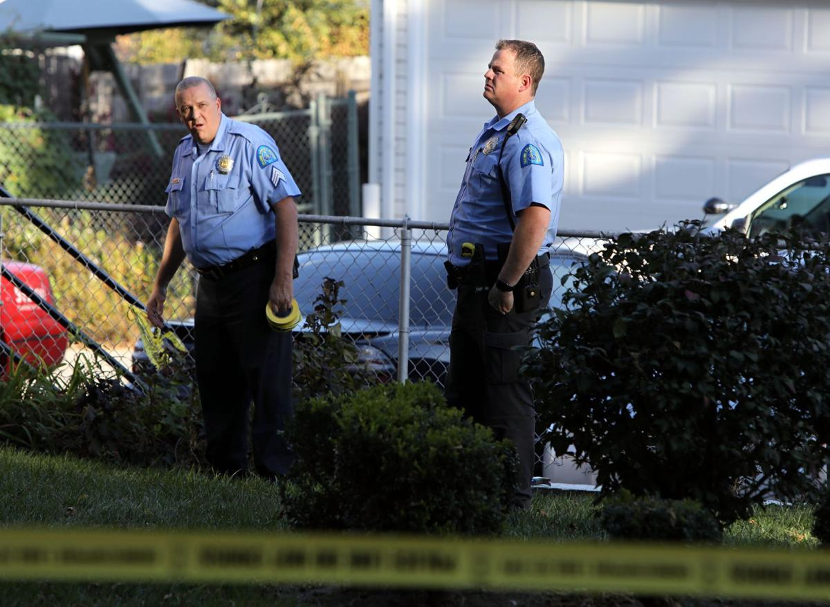 Homeowner shoots and kills to armed robbers