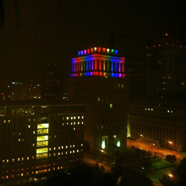 St. Louis Civil Courts building in rainbow colored lighting & St. Louis Civil Courts building goes rainbow for gay pride ... azcodes.com