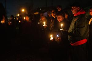Ανάκτηση σπίτι: Αγρυπνία τιμά τα θύματα της Bethalto τριπλή δολοφονία