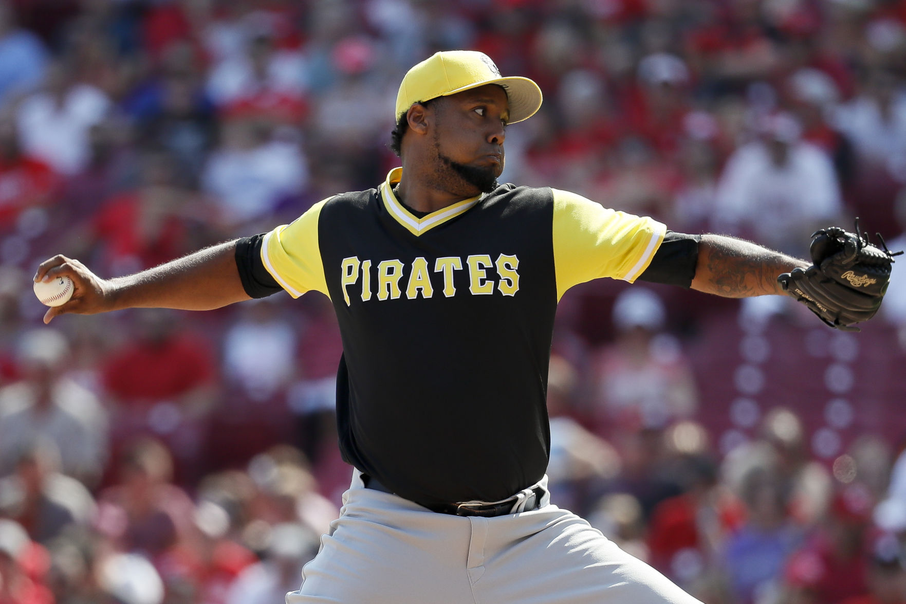 Cardinals trade for RHP Juan Nicasio